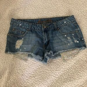 Love Notes short jeans